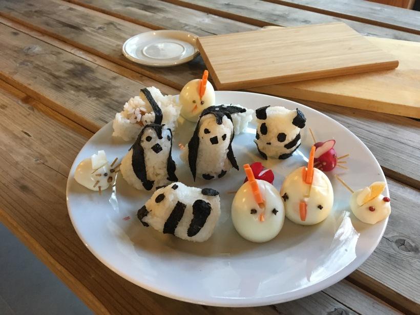 cuisine ludique panda, onigiri, poule en oeuf, souris en radis